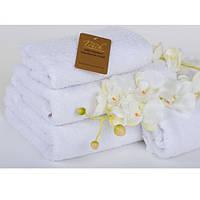 Полотенце махровое белое, отель The Royal Touch 70х140