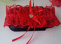 Свадебная подвязка красная (09)