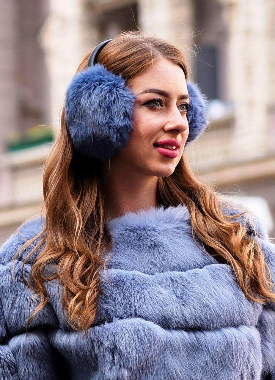 Теплые наушники из натурального меха, серо голубого цвета