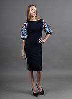 Нарядное платье с вышивкой на рукавах