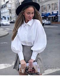 Женская белая рубашка с широкими рукавами