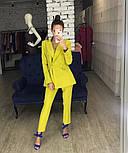 Женский стильный брючный костюм-двойка: приталенный пиджаки брюки-дудочки (в расцветках), фото 4