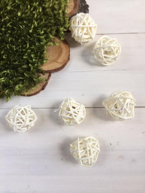 Ротанговые шарики белые 3 см ( уп 6 шт )