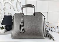 Женская сумка цвета темное-серебро с декором кисточкой, эко-кожа структурная