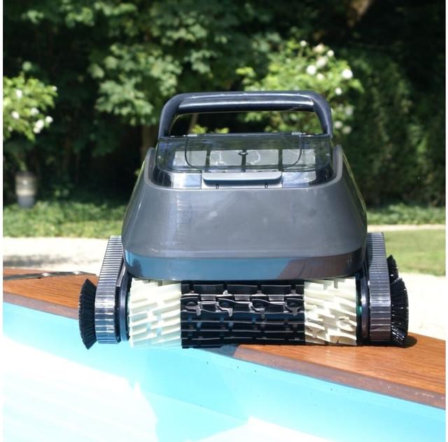 Робот пилосос для басейну AquaViva 7320 Black Pearl з бічними щітками