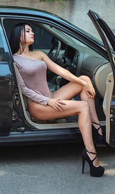Женское боди на одно плечо с длинным рукавом