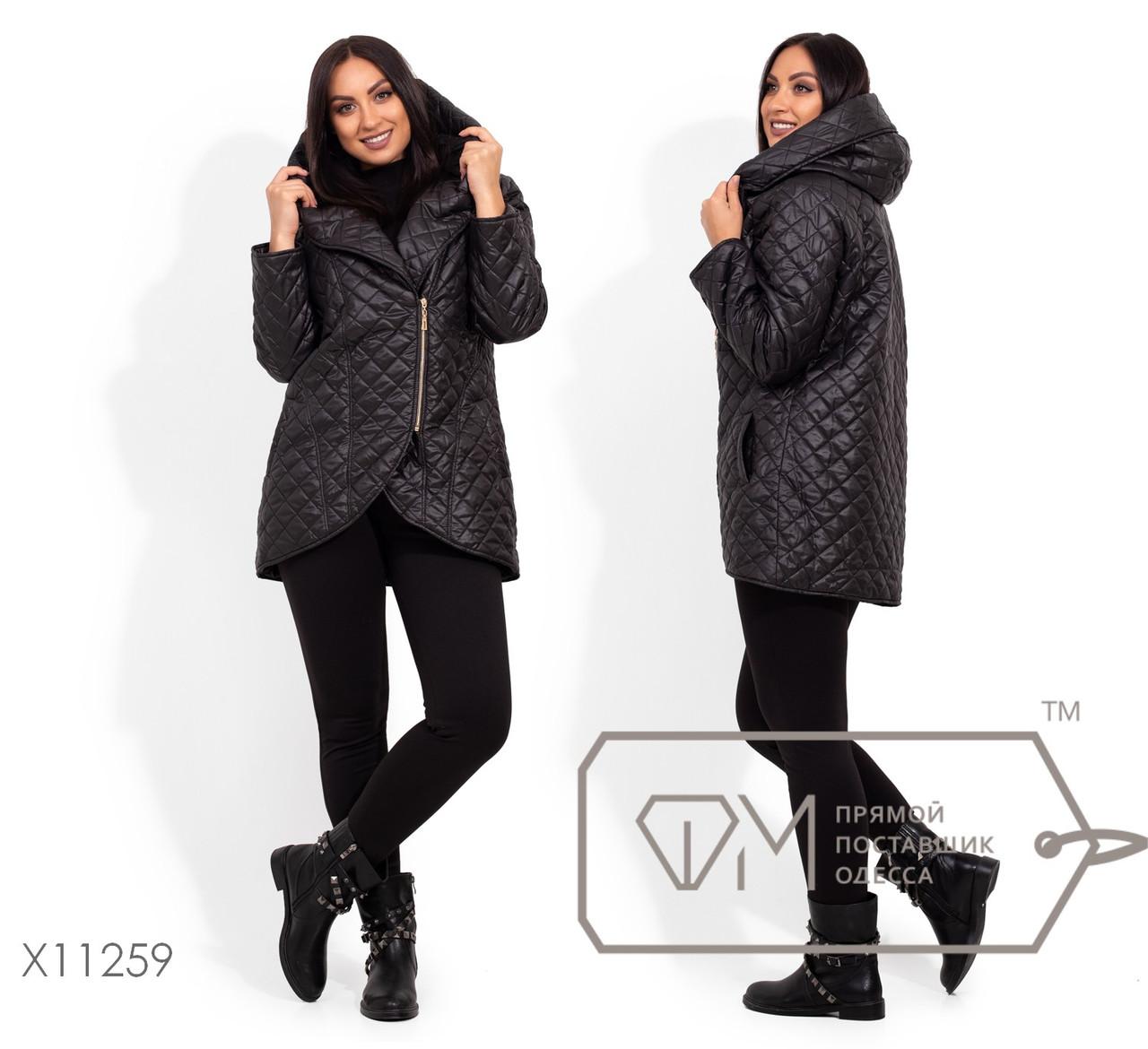 Асимметричная женская плащевая куртка стеганная демисезонна в батале 1blr2065