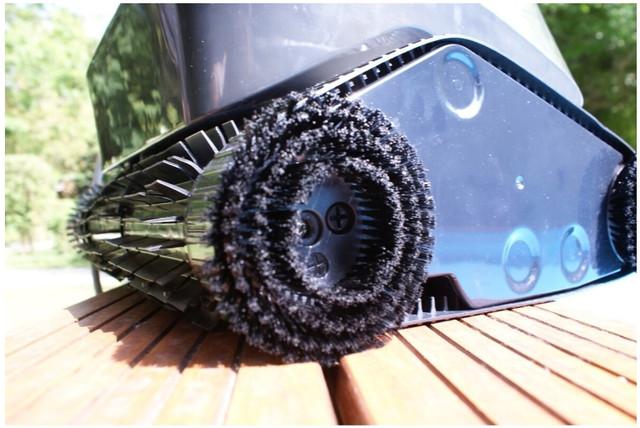 додаткові обертові щітки робот–пилососа AquaViva 7320 Black Pearl