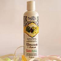 Шампунь с кондиционером на основе «Шикакай и Амлы» уменьшает выпадения волос, укрепляет волосяные фолликулы