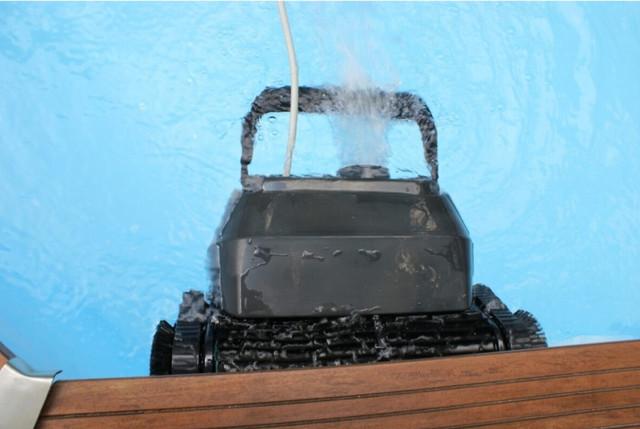 роботизований пилосос AquaViva 7320 Black Pearl