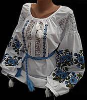 Женская кружевная вышиванка с синей вышивкой