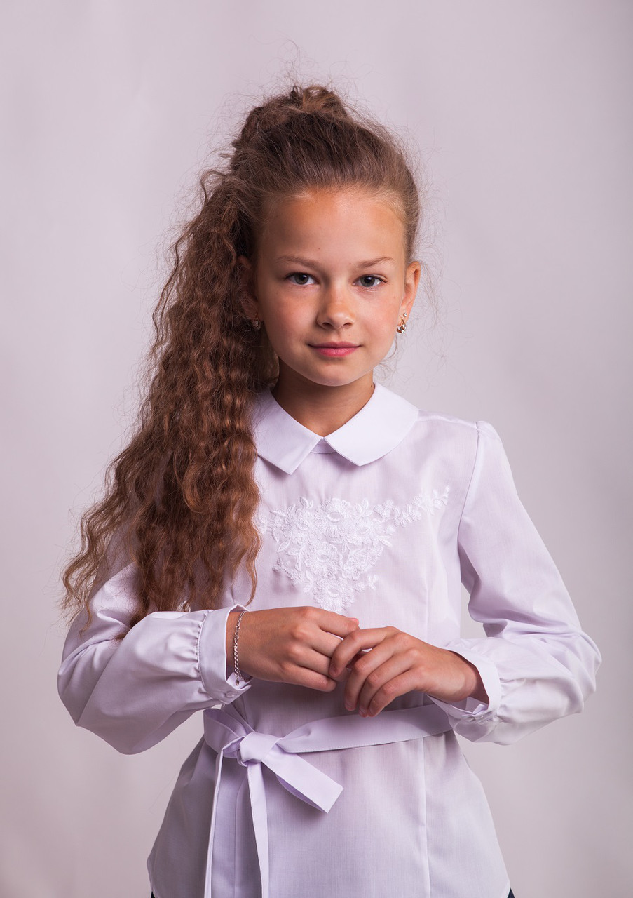 Блузка Свит блуз  мод.1050 с белой вышивкой р.152