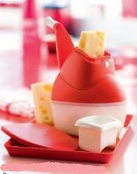 """Терка """"Волшебная мельница"""" .Натрите сыр,орехи,шоколад и сохраните в контейнере с крышкой."""