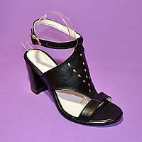Стильные кожаные босоножки на устойчивом каблуке., фото 1