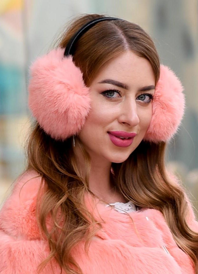 Зимові хутряні навушники ніжно-персикового кольору