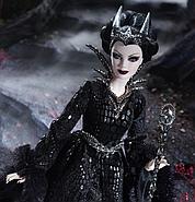 Колекційна лялька Барбі Королева Темного Лісу / Queen of the Dark Forest Barbie Doll, фото 2