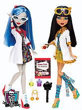 Набор кукол Monster High Mad Science Cleo De Nile & Ghoulia Yelps Гулия Йелпс и Клео де Нил.