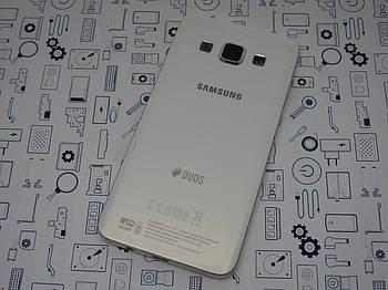 Уценка. Задняя крышка Samsung Galaxy A3 SM-A300H белый Сервисный оригинал с разборки