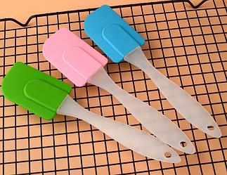 Лопатка кулинарная силиконовая для выпечки термостойкая 23 см