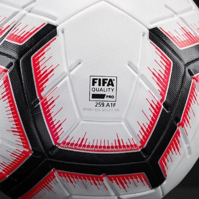 myach-futbolnyiy-0q00000c6