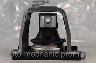 ПРАВА, ПРЯМОКУТНА (Подушка двигуна на 2.0 dCi)