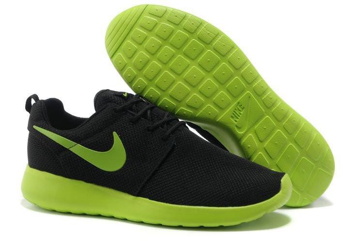 595fb59a Мужские кроссовки Nike Roshe Run черно-зеленые - Интернет магазин обуви  Shoes-Mania в