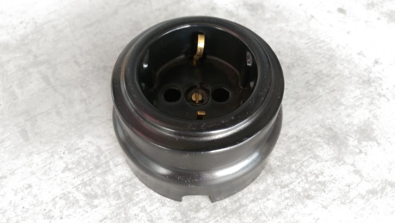 Розетка накладная с заземлением RE «Paint» керамическая черный карбоновый