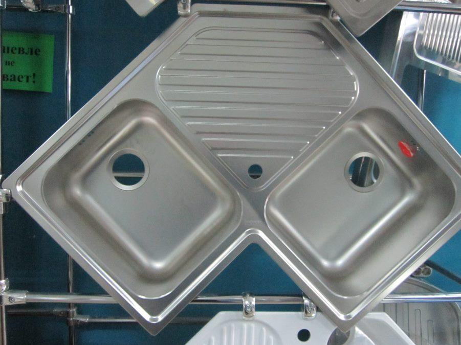 Мойка кухонная угловая из нержавеющей стали Dominox (Franke) PNL 621-E декор