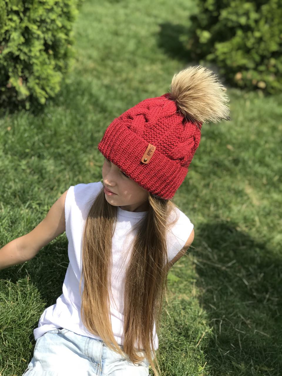 Вязаная шапка для девочки ручной вязки. Женская вязаная шапка.