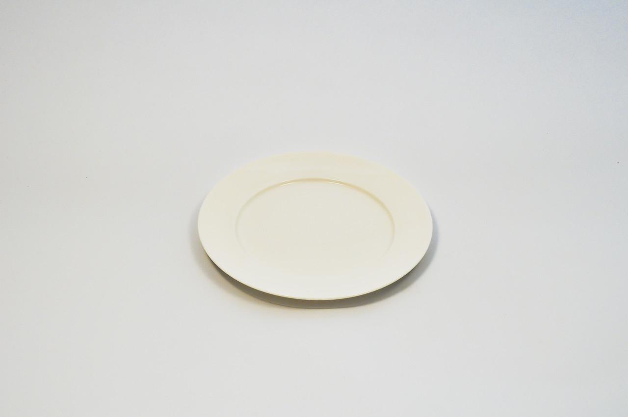 Тарелка круглая с бортом из костяного фарфора диаметр 15,2 см.