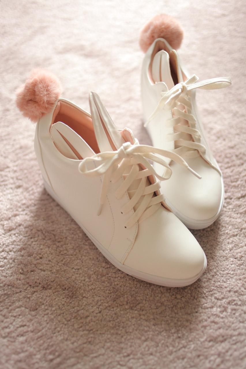 Женские кроссовки сникерсы полностью белые на танкетке кожа зайчики ушки 39 размер