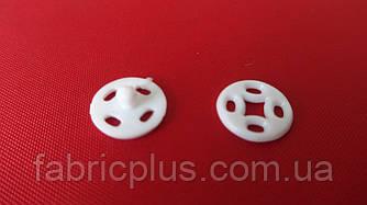 Кнопка пришивная 10 мм белая, черная