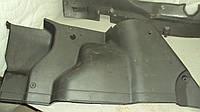 Накладка обшивка багажника отсека правая  В45568851 Mazda 323 BG 1989 - 1994 гв., фото 1