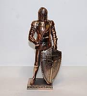 Большая статуэтка (фигурка) средневекового воина с медным покрытием, фото 1