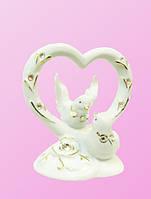 Фарфоровые фигурки: голуби с цветком на дуге в форме сердца (фф-23)