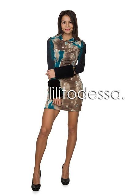 Платье с муфтами