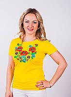 Женская вышитая футболка желтого цвета