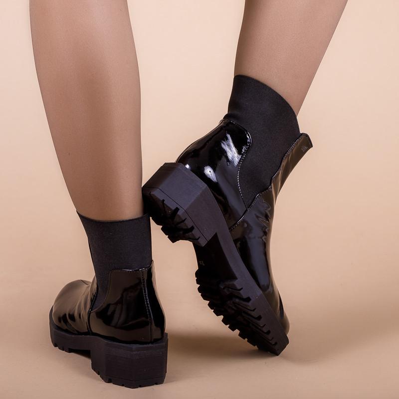 Ботинки женские кожаные лаковые на низком каблуке. Утеплитель на выбор