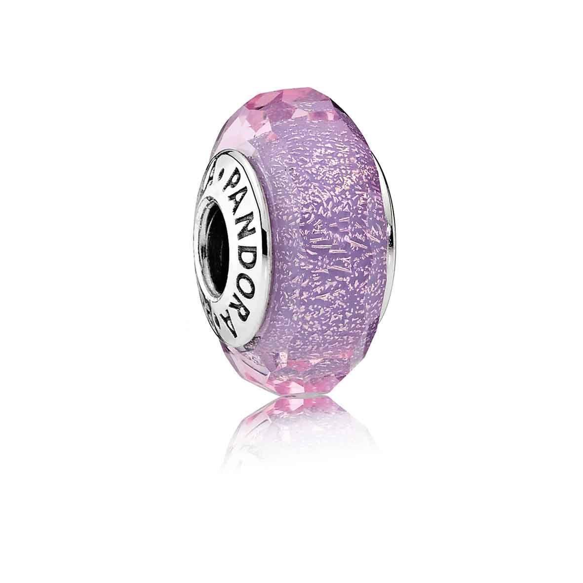 Шарм с переливающимся пурпурным ограненным муранским стеклом