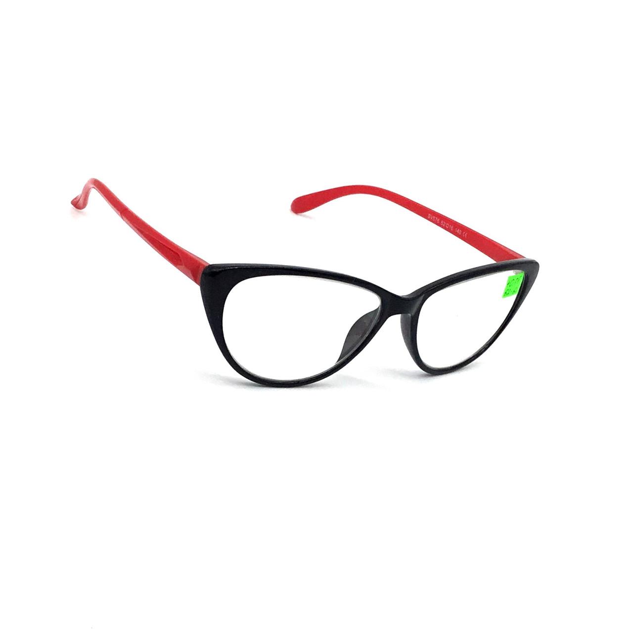 Корригирующие очки с линзой из стекла