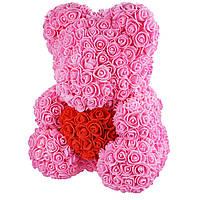 Подарочный Мишка из розочек с сердцем, розовый с красным сердцем