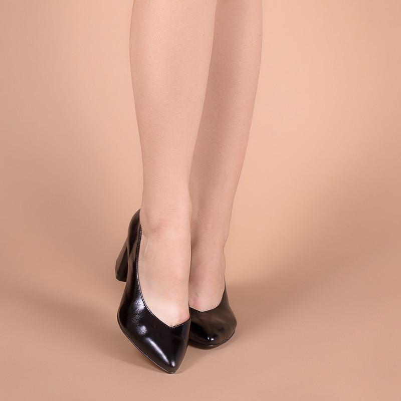 Женские туфли на среднем каблуке. Натуральная кожа, замша. Цвет любой