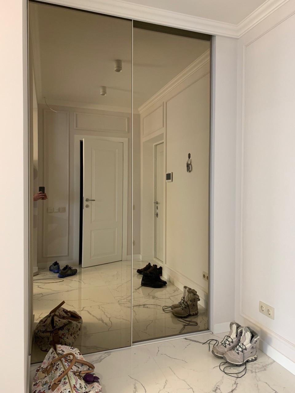 Шкаф купе белый с зеркалом бронза