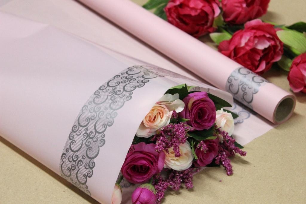 Пленка тонировка для цветов с Ажурной каймой 70см*10м Бледно розовая