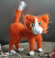 Пушистый рыжий котик