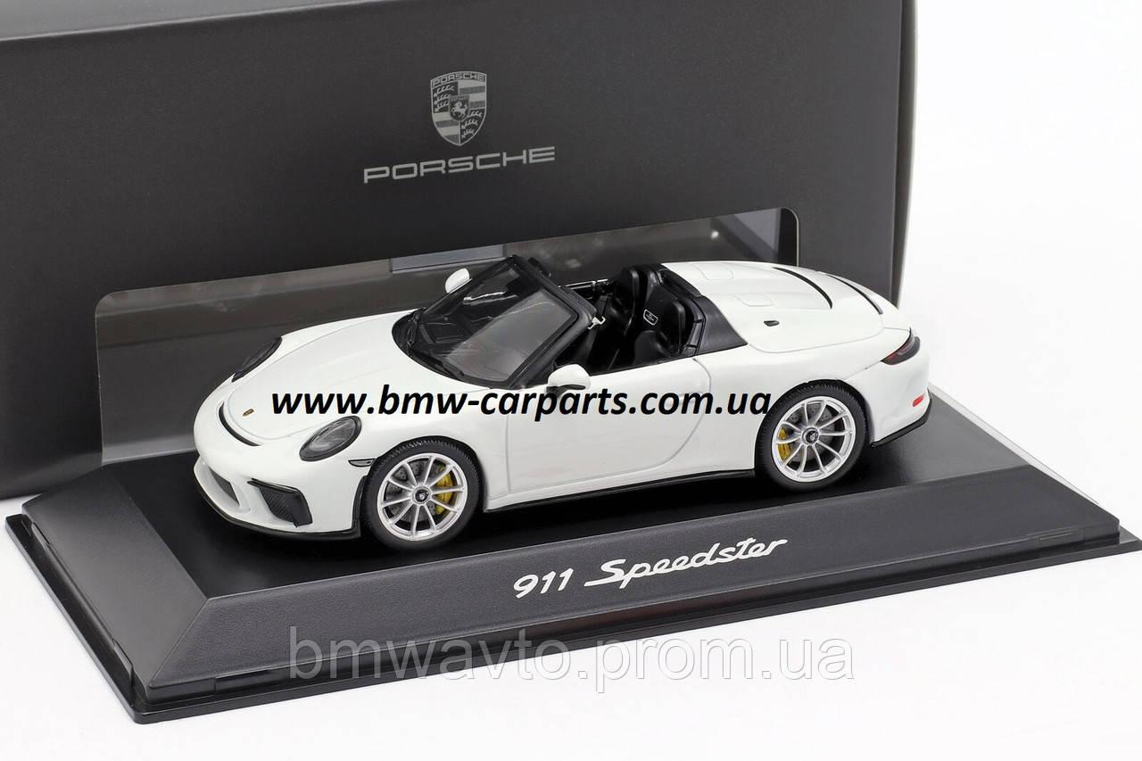 Модель автомобиля 911 Speedster (поколение 991)
