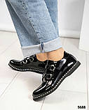 Стильные лаковые женские туфли с люверсами, фото 5