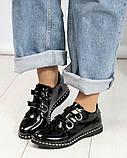 Стильные лаковые женские туфли с люверсами, фото 2