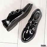 Стильные лаковые женские туфли с люверсами, фото 3