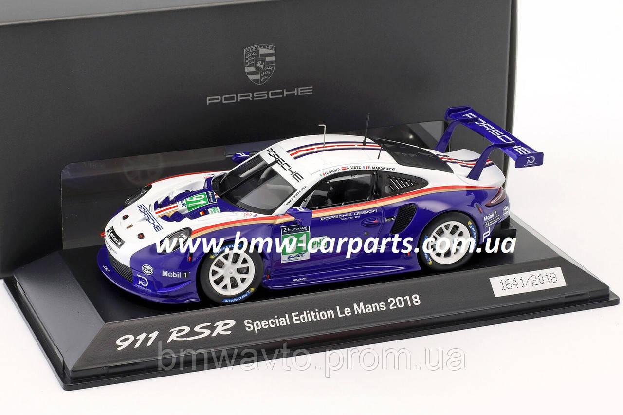 Модель автомобиля Porsche 911 RSR Rothmans